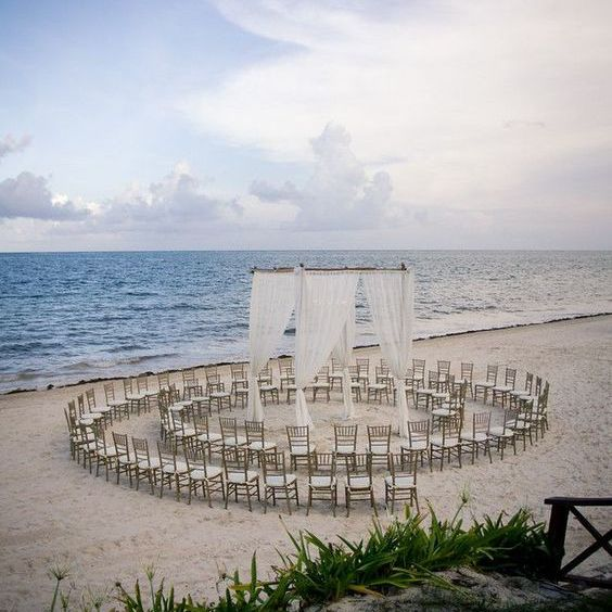 Outdoor Wedding Seating Ideas: 5 Unique Wedding Ceremony Seating Ideas