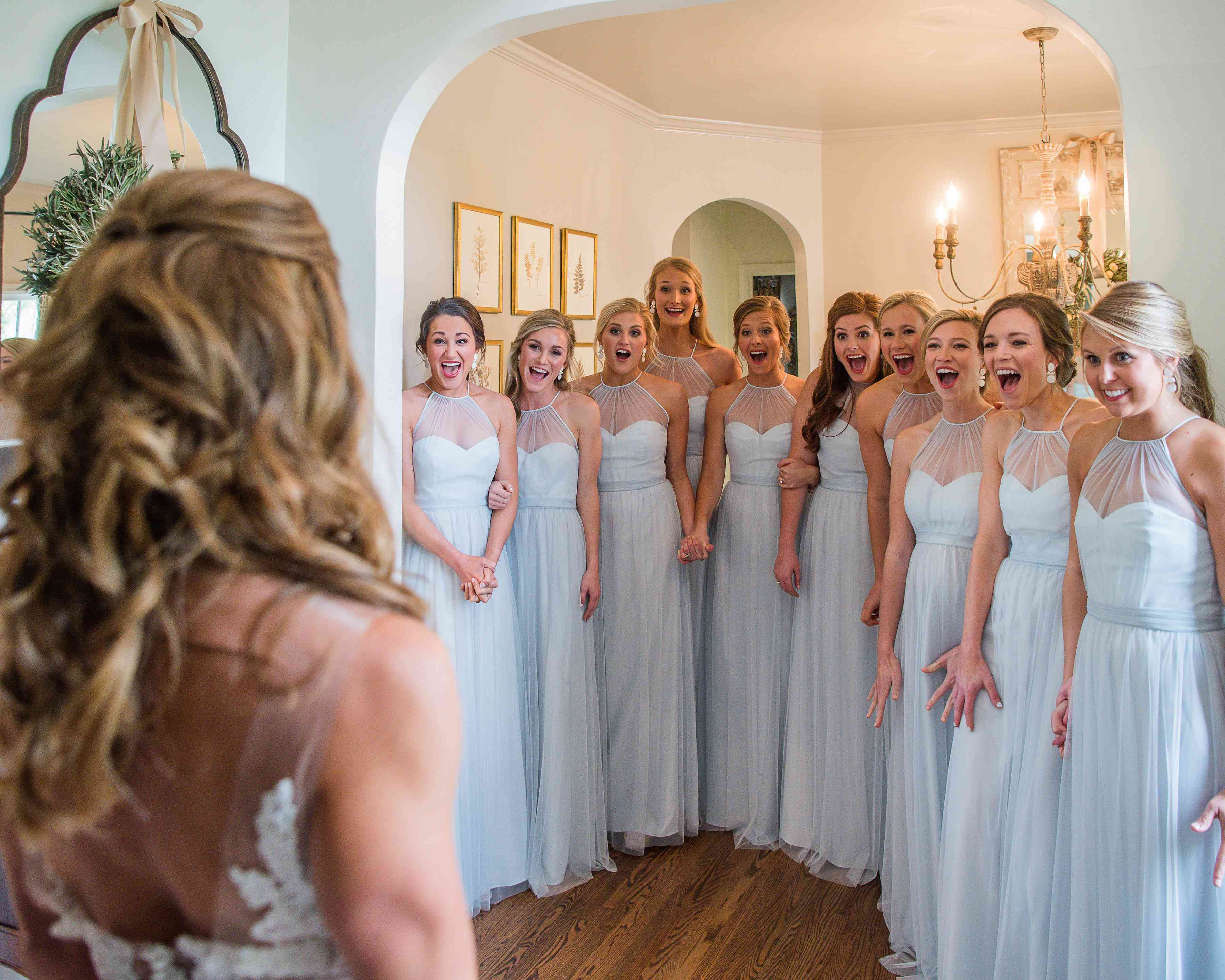 <p>bridesmaids first look</p><br><br>