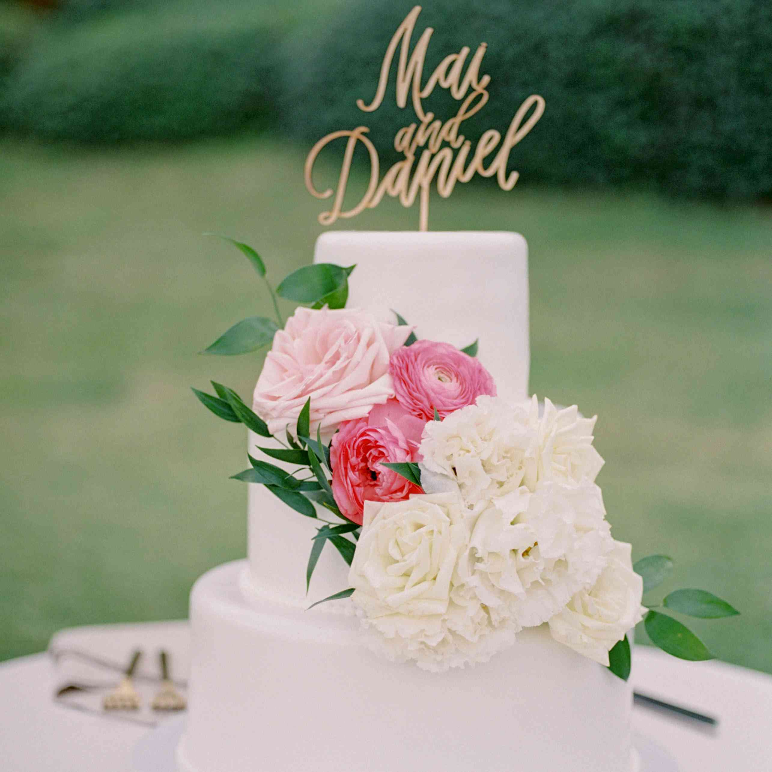 Wedding Cakes With Flowers: 85 Of The Prettiest Floral Wedding Cakes