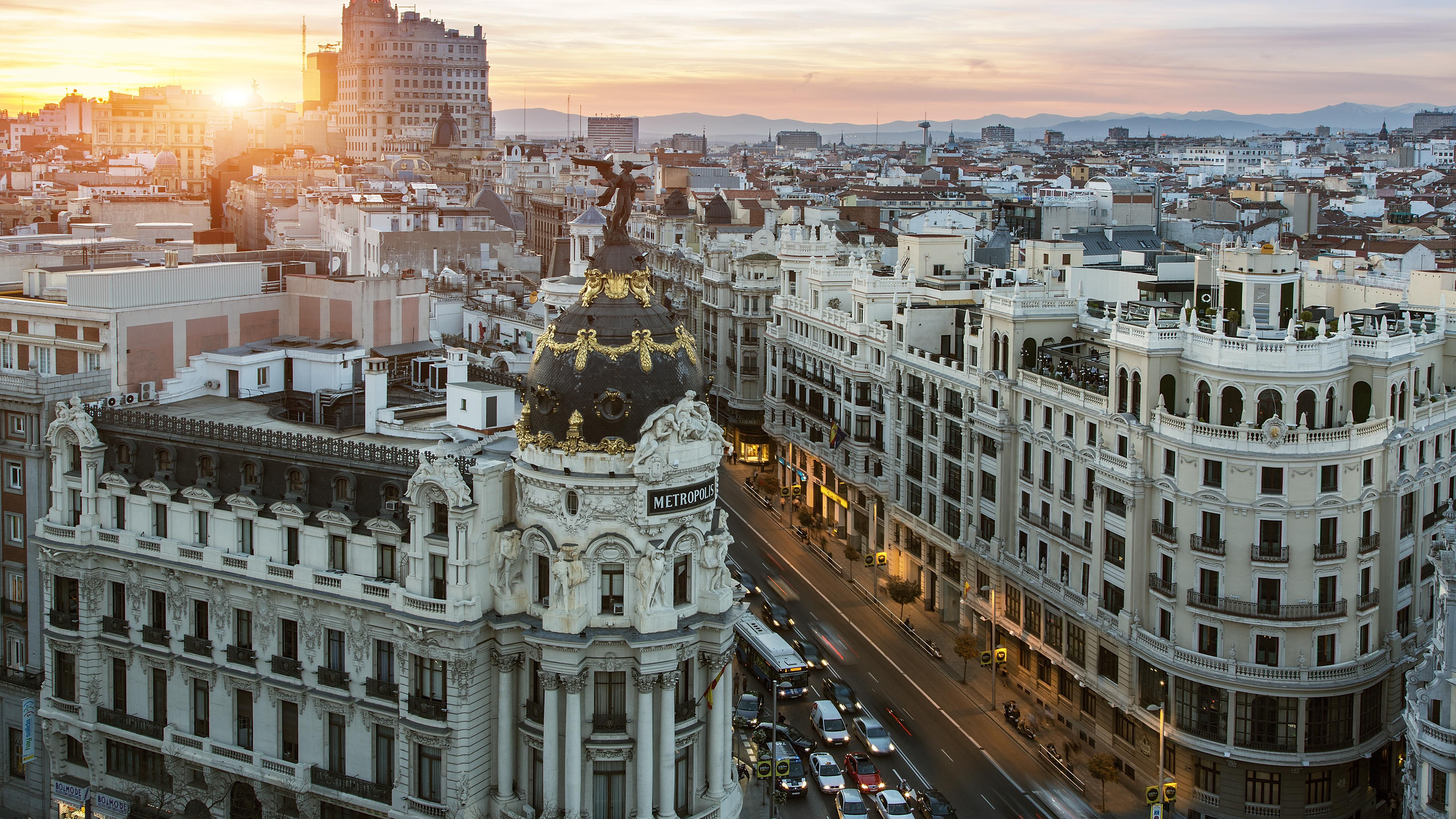 Your Go To Honeymoon Guide To Madrid Spain