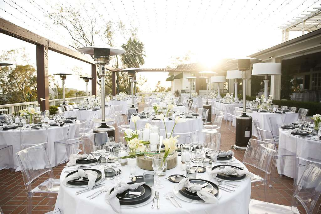 minimalist california wedding, black and white reception decor