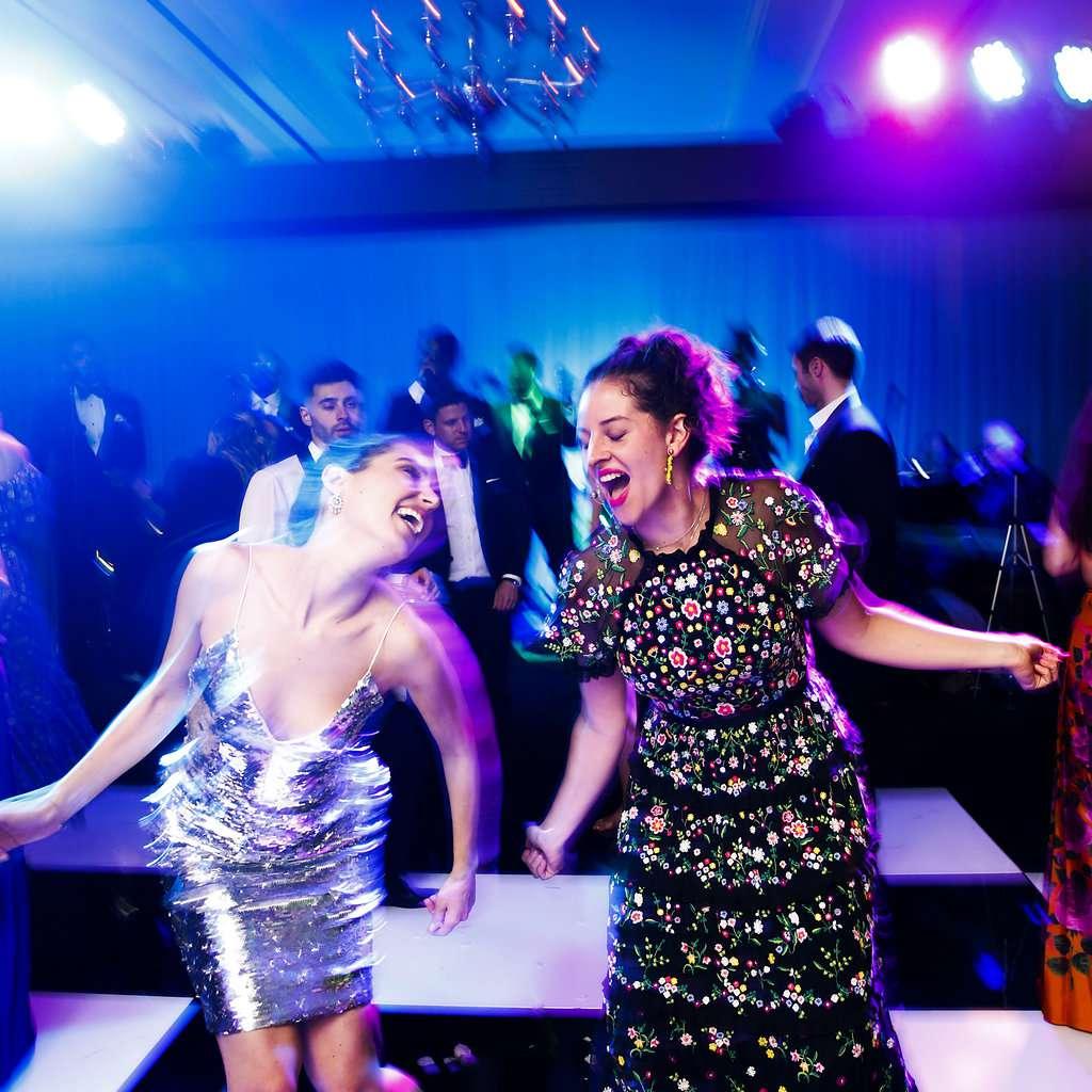 minimalist california wedding, bride dancing afterparty
