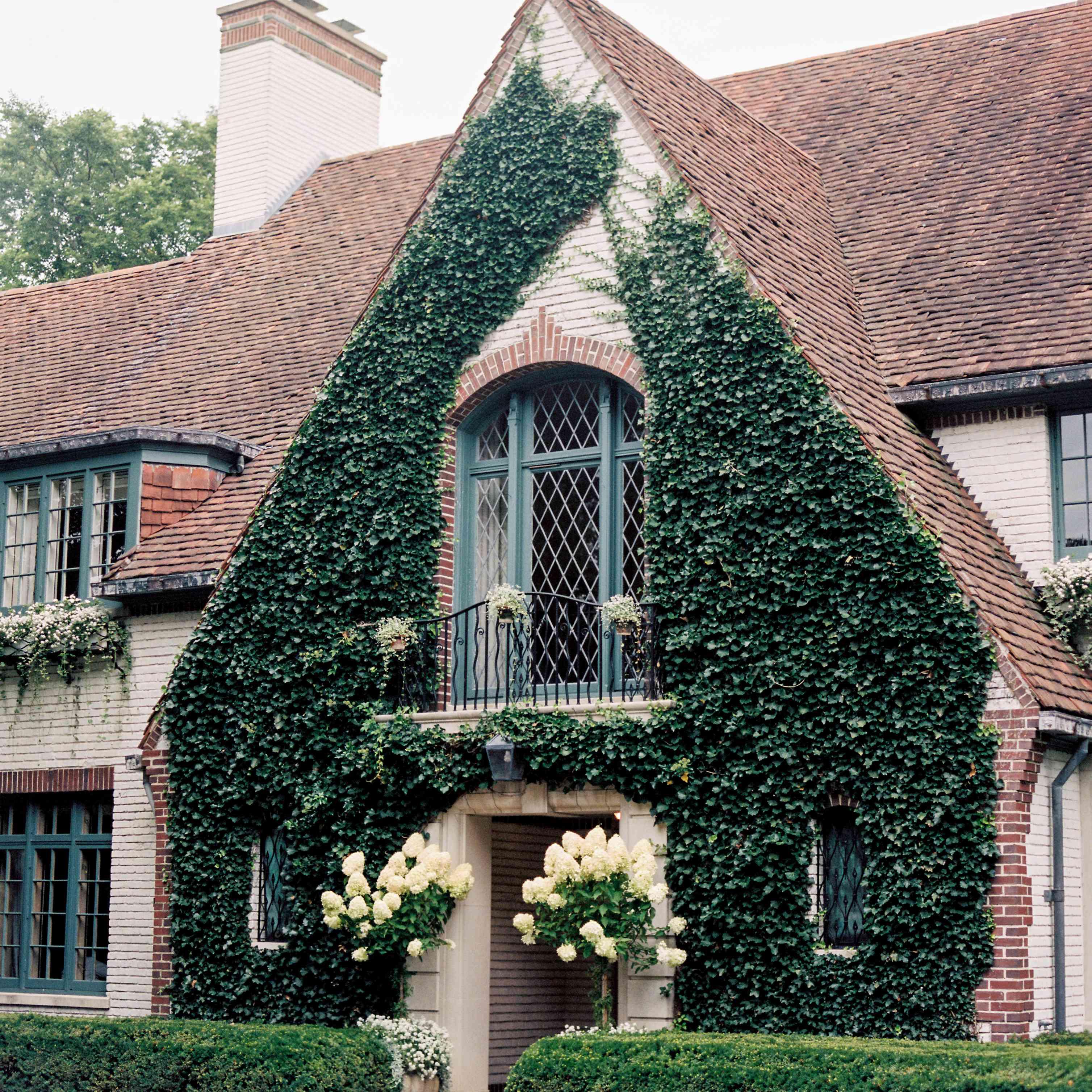 brides childhood home