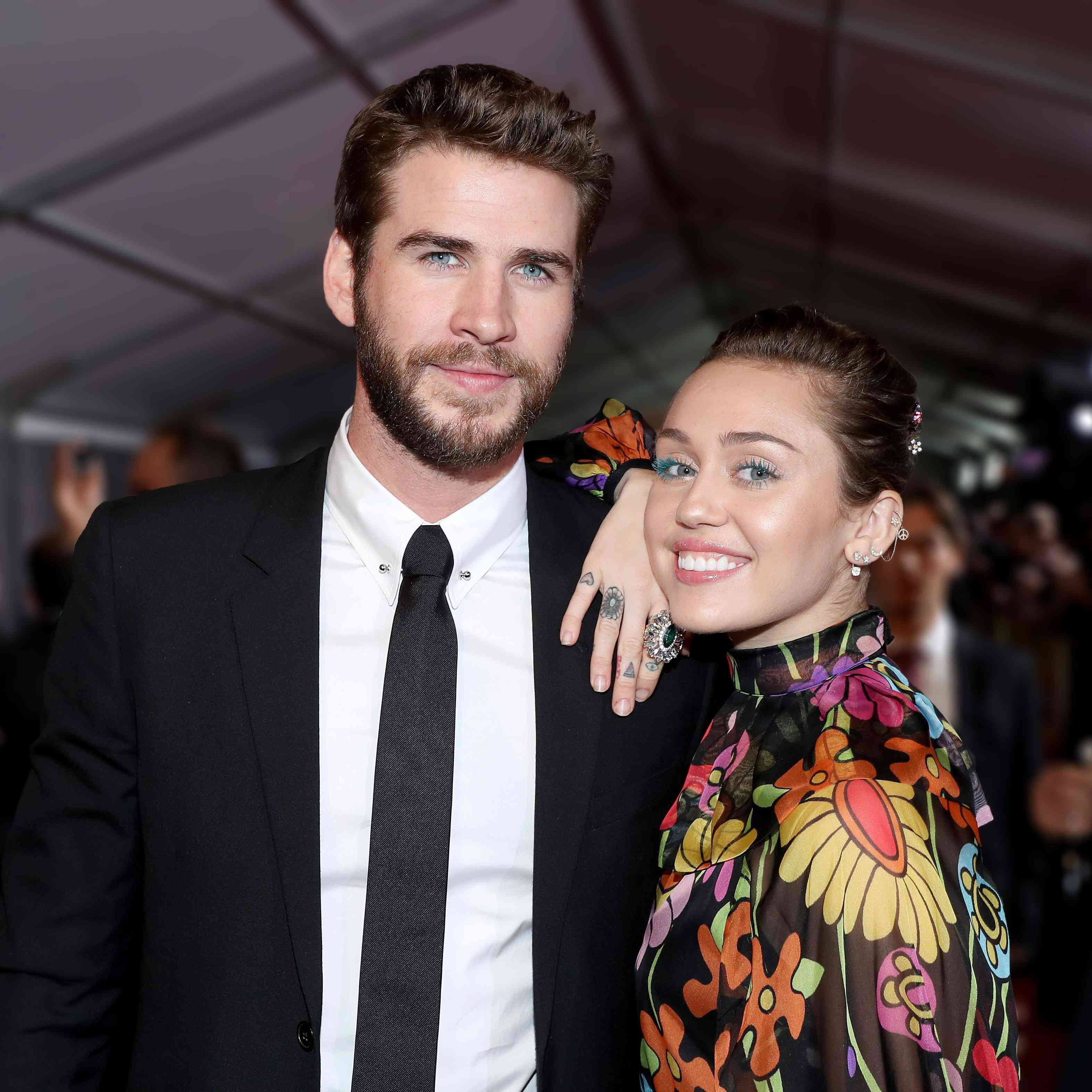 Last Song Wedding.Nicholas Sparks Congratulated Miley Cyrus And Liam Hemsworth