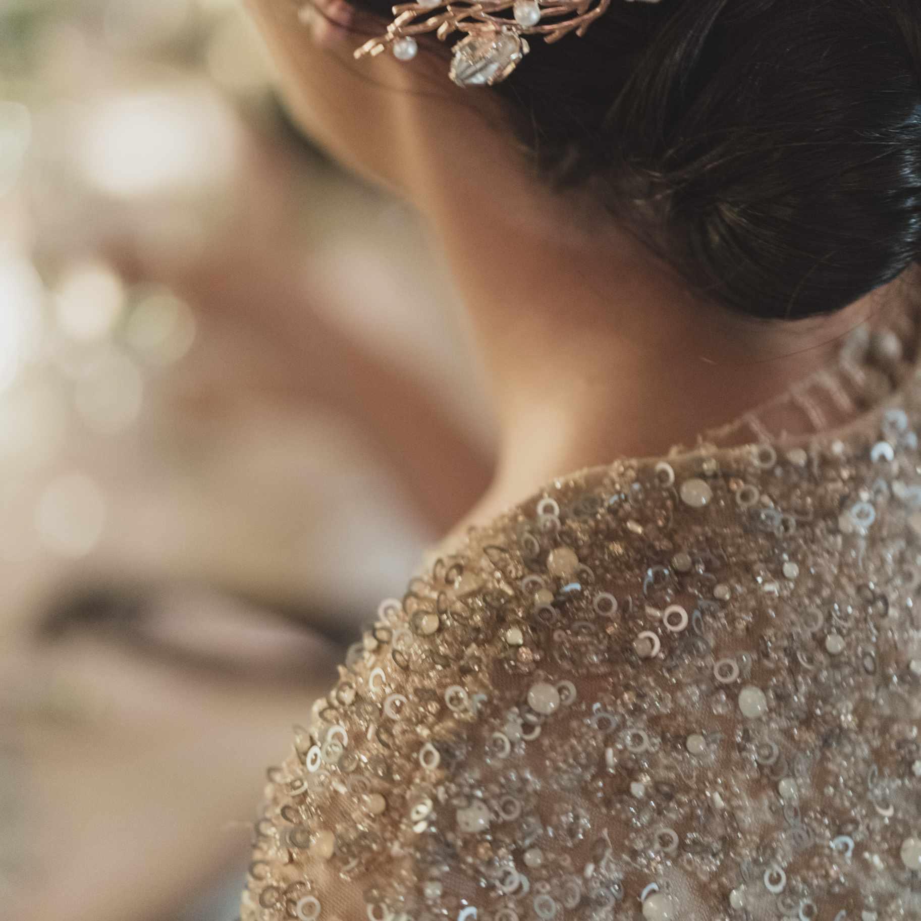 romantic lake como wedding, bride sequin dress and hair pin
