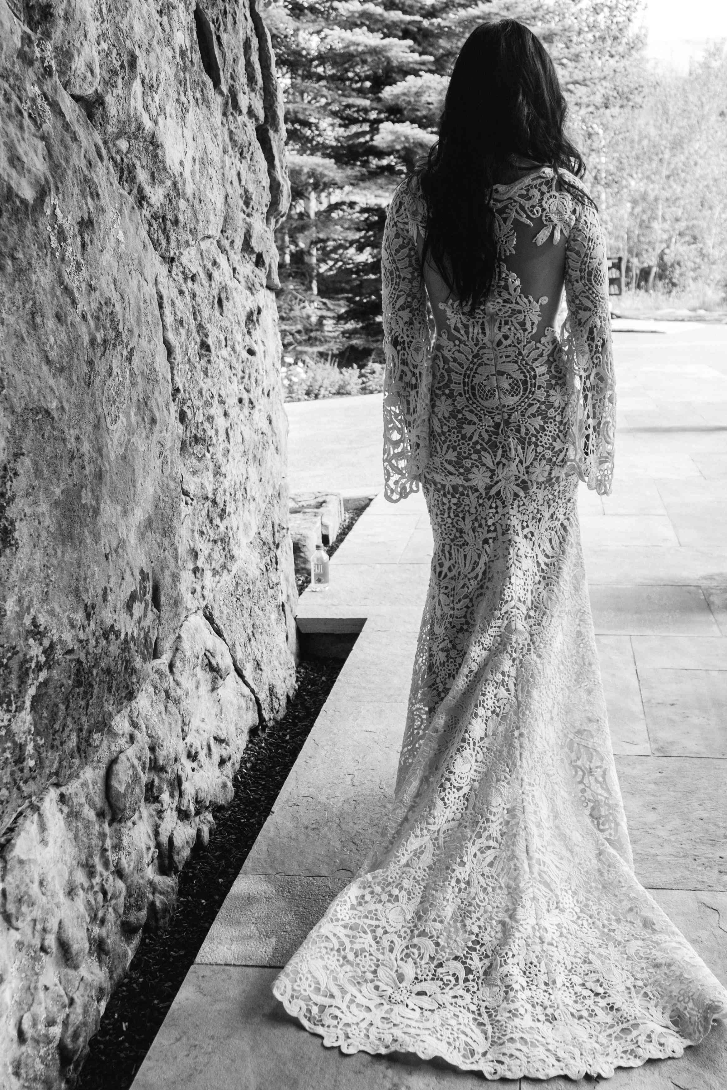 <p>Bride solo shot from back</p><br><br>