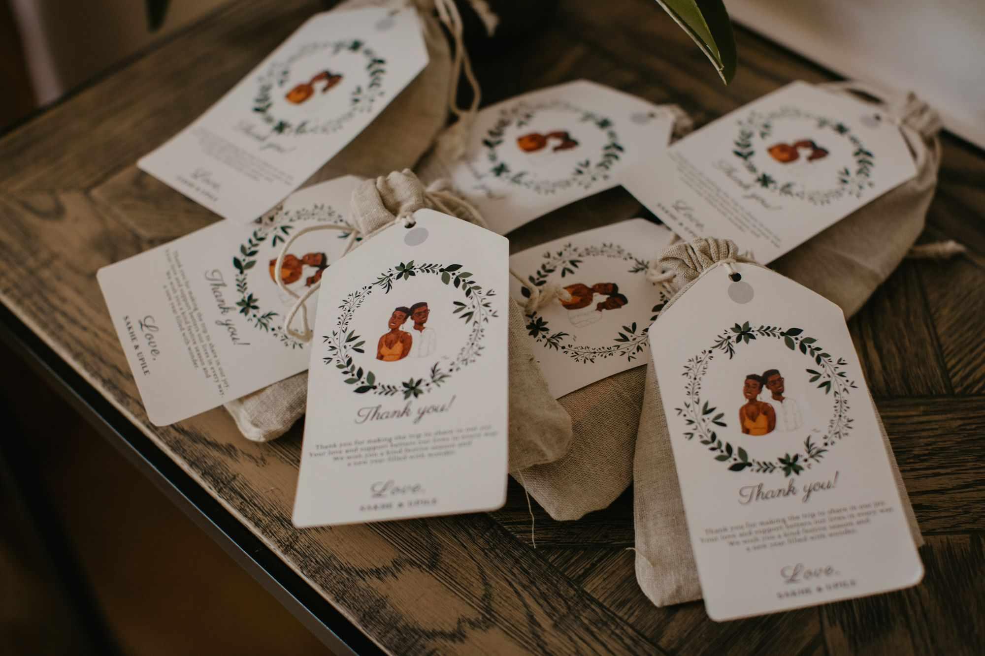 Burlap wedding favor bags