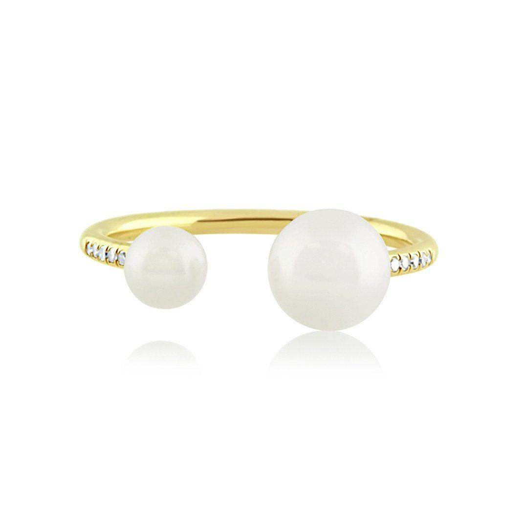 Diamond and pearl open ring in yellow gold