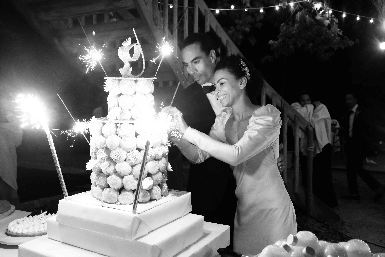<p>cutting cake</p><br><br>