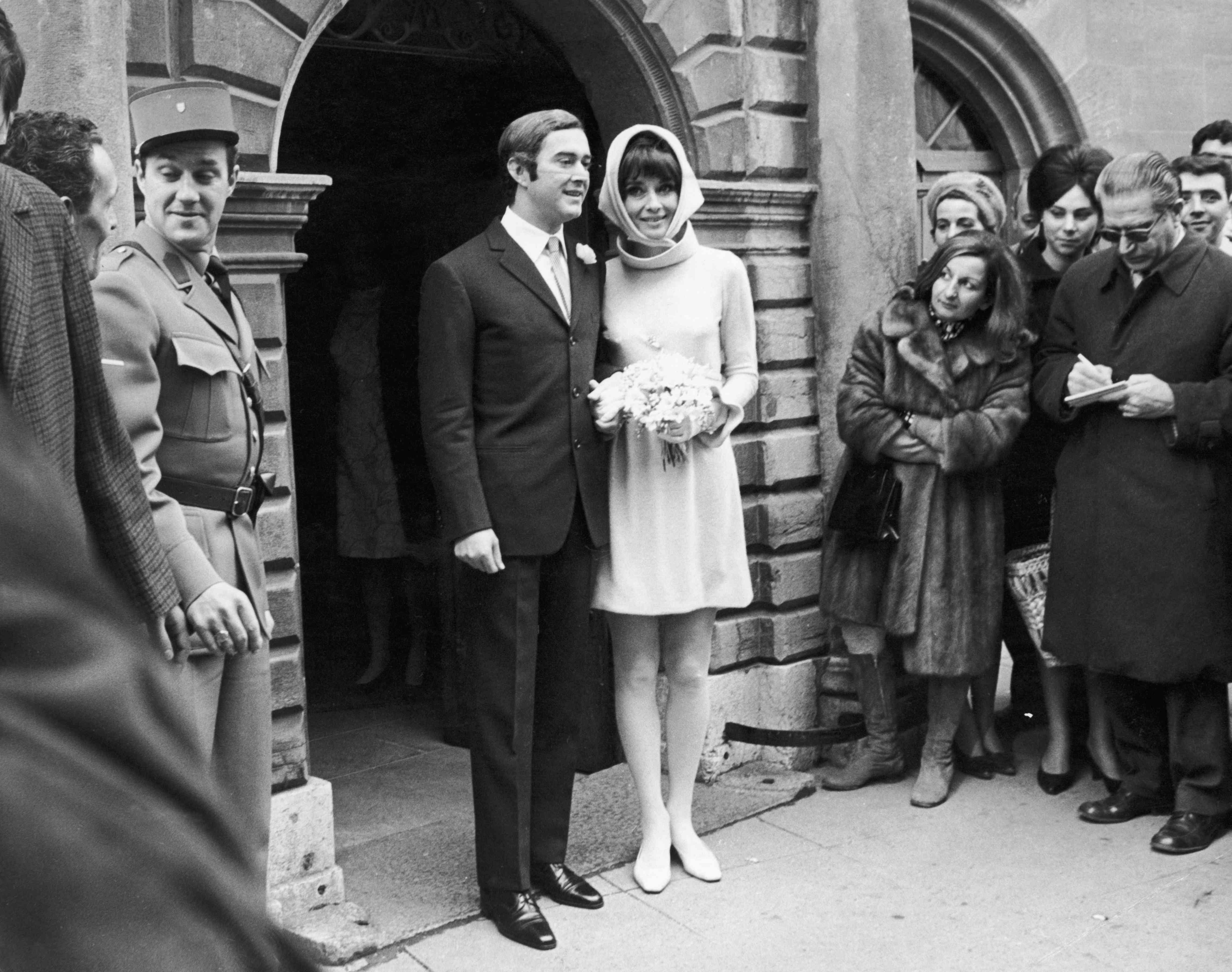 Tbt Audrey Hepburn S 3 Wedding Dresses,Royal Hindu Indian Wedding Dresses For Men