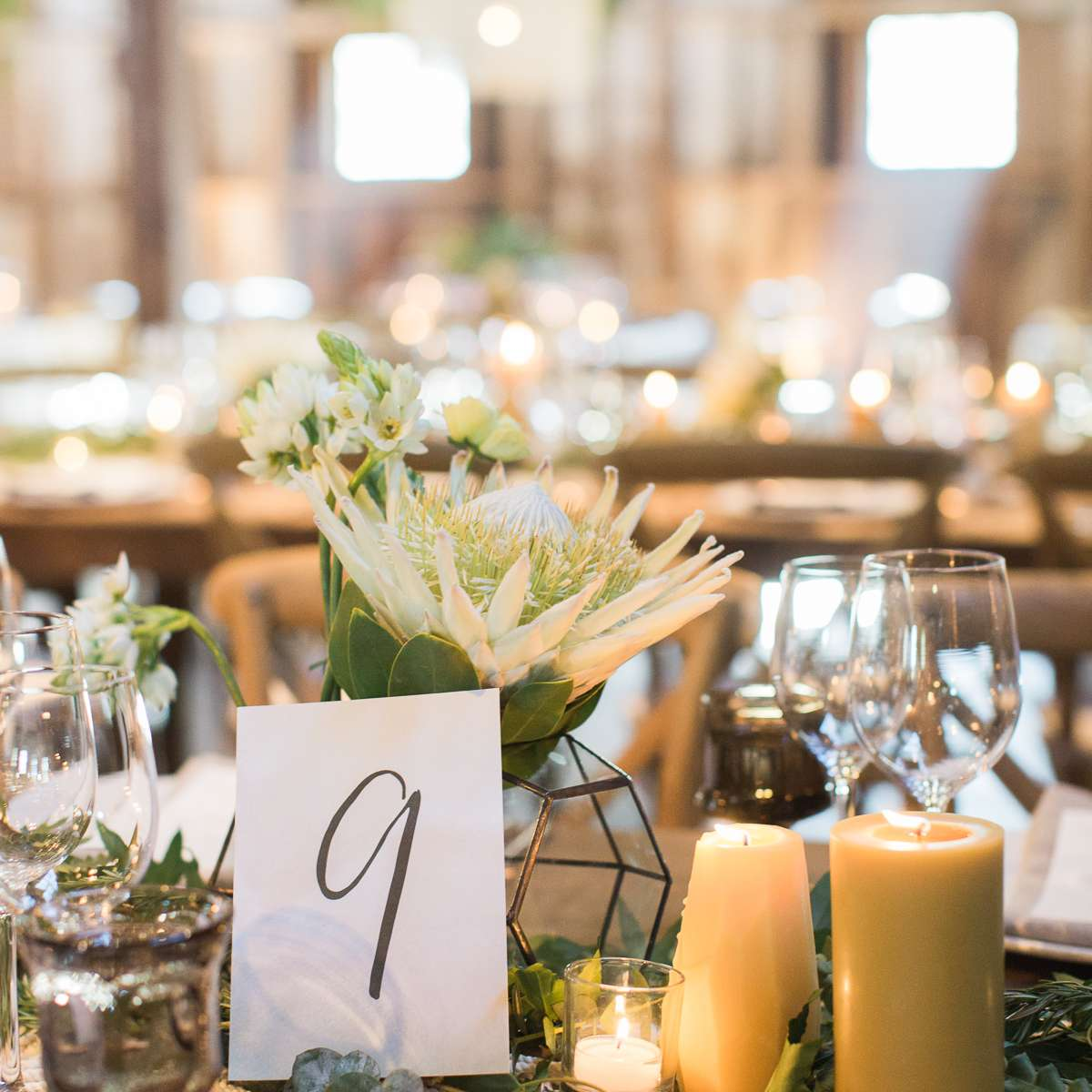 <p>Reception Table setting with number</p><br><br>