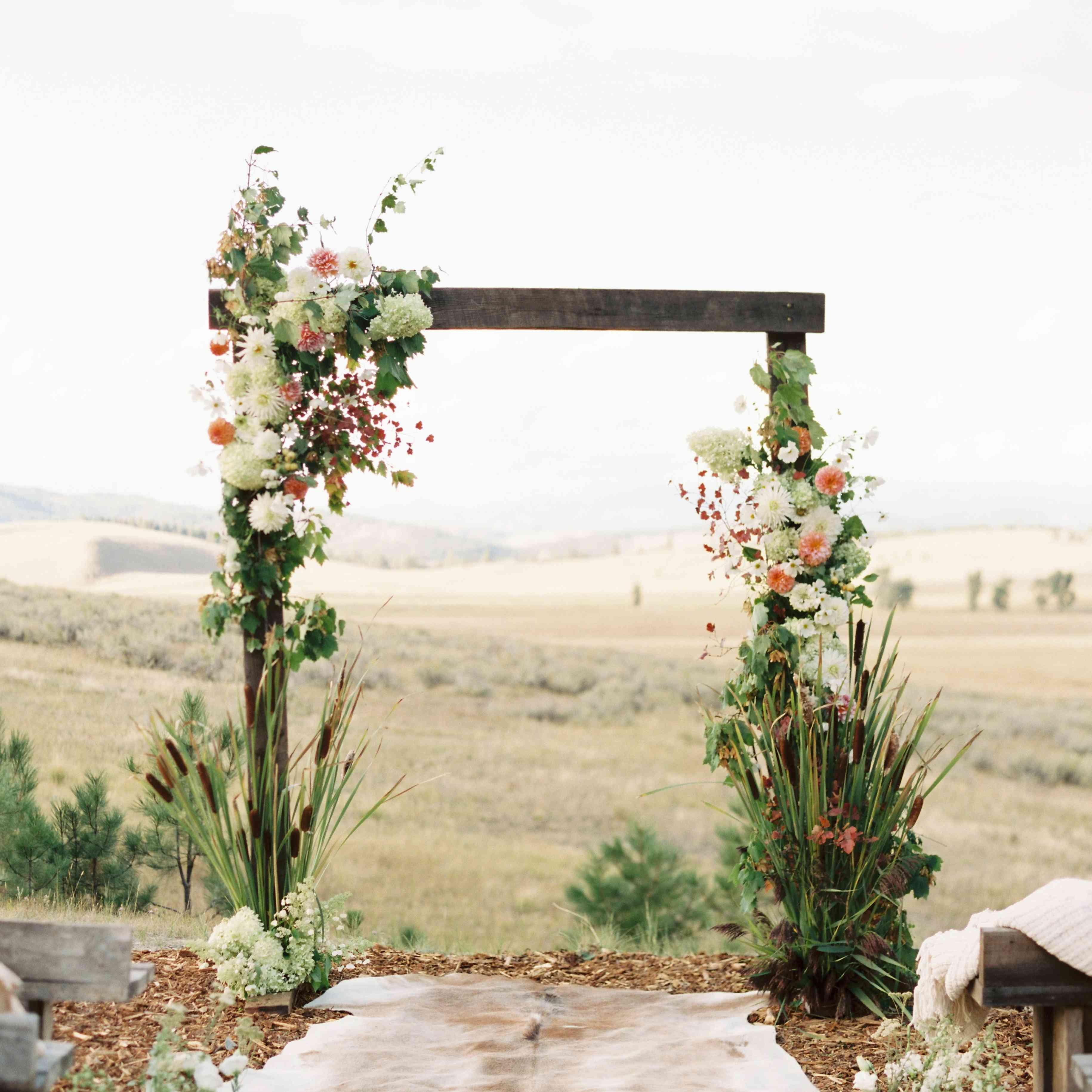 Simple Wedding Idea: 25 Old-Fashioned Country Wedding Ideas