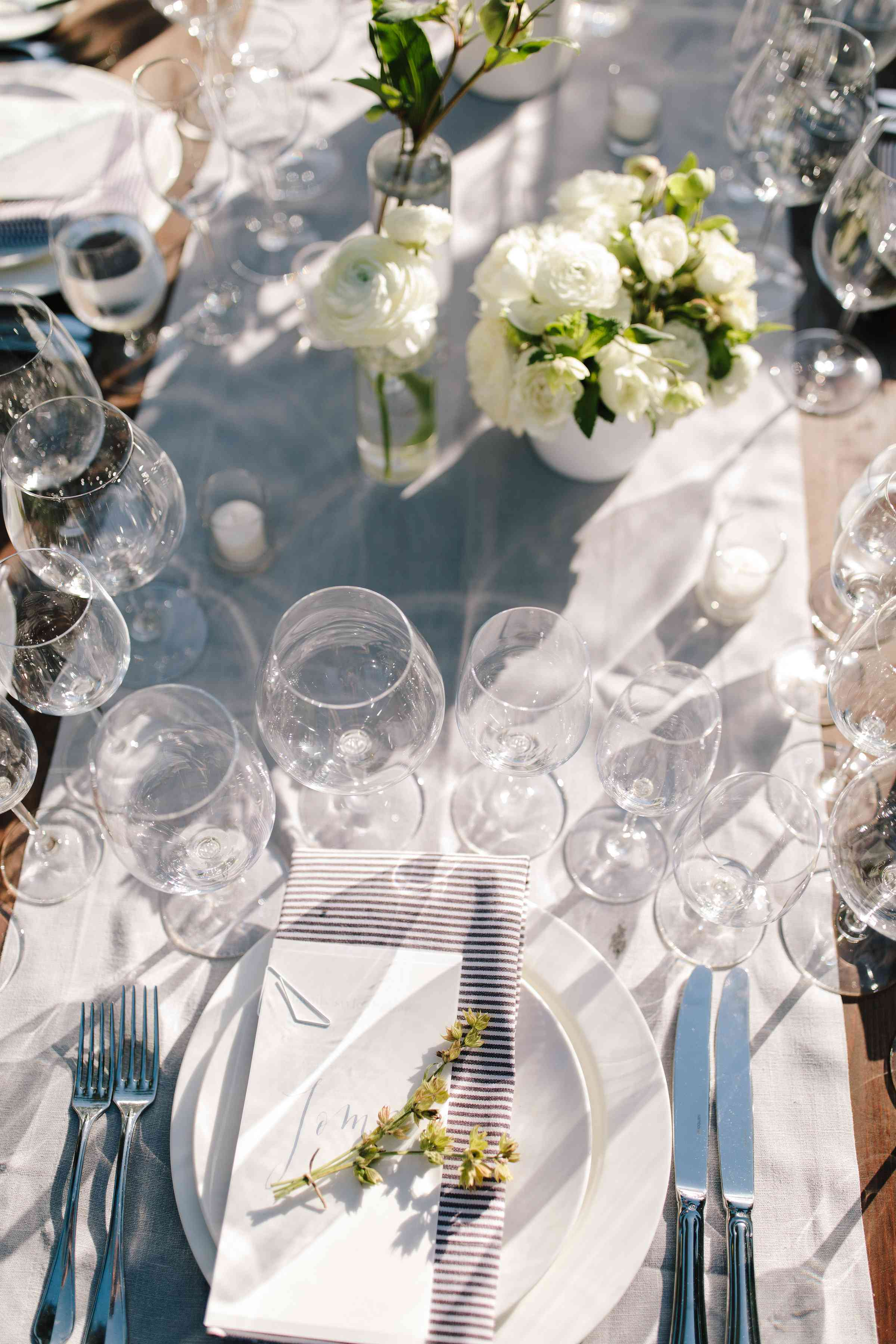 <p>drinking glasses place setting</p><br><br>