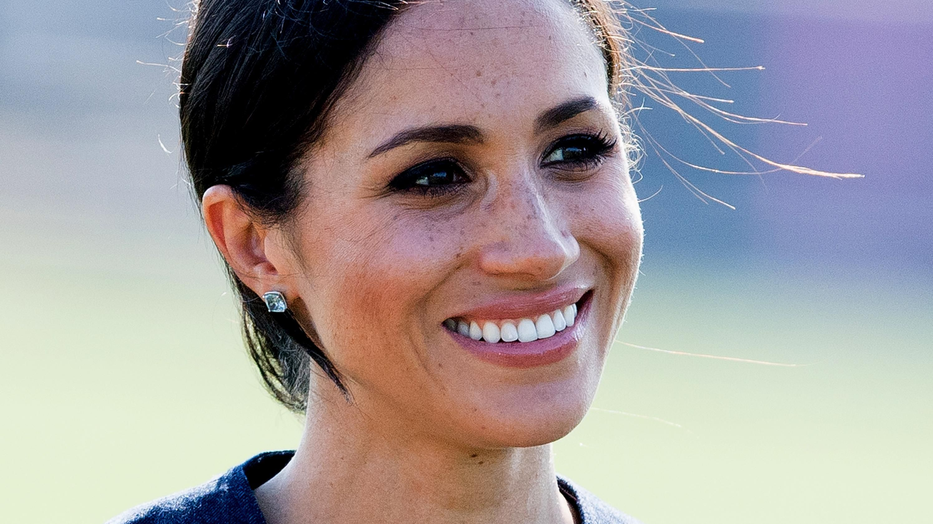 How To Get Meghan Markle S Bright White Teeth