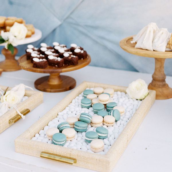 handheld dessert table