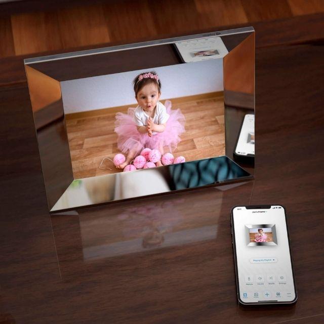 """Nixplay 9.7"""" LCD Digital Photo Frame"""