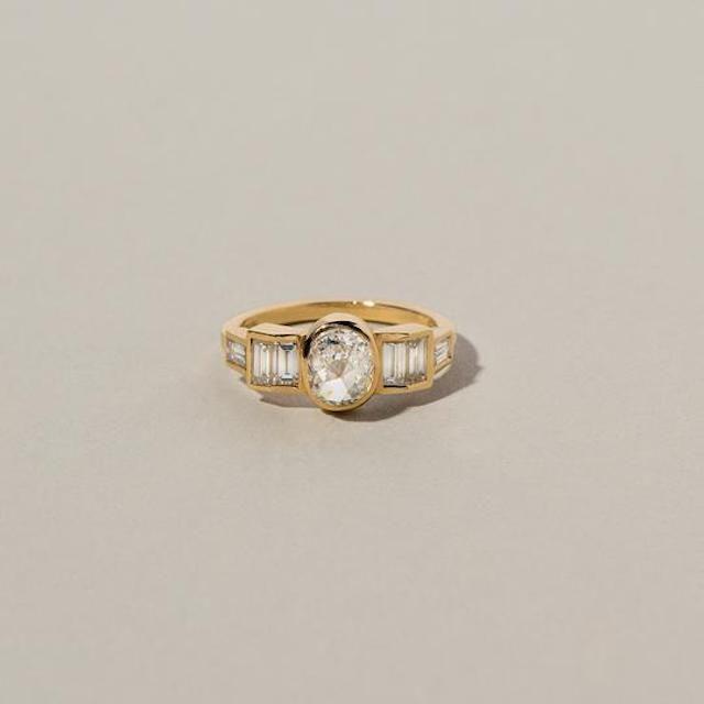 Mociun Modified Brilliant Diamond Ring
