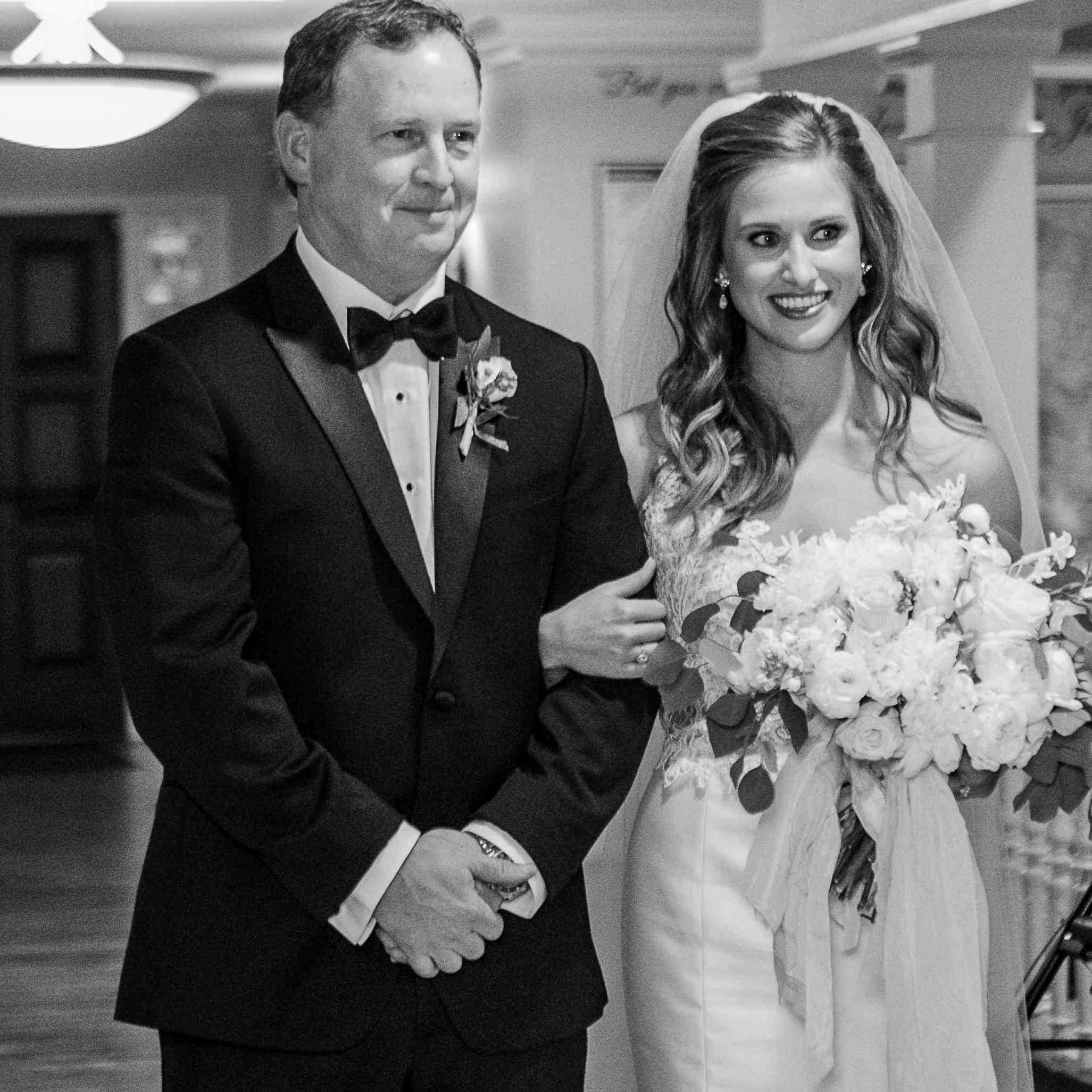 <p>bride and her dad</p><br><br>