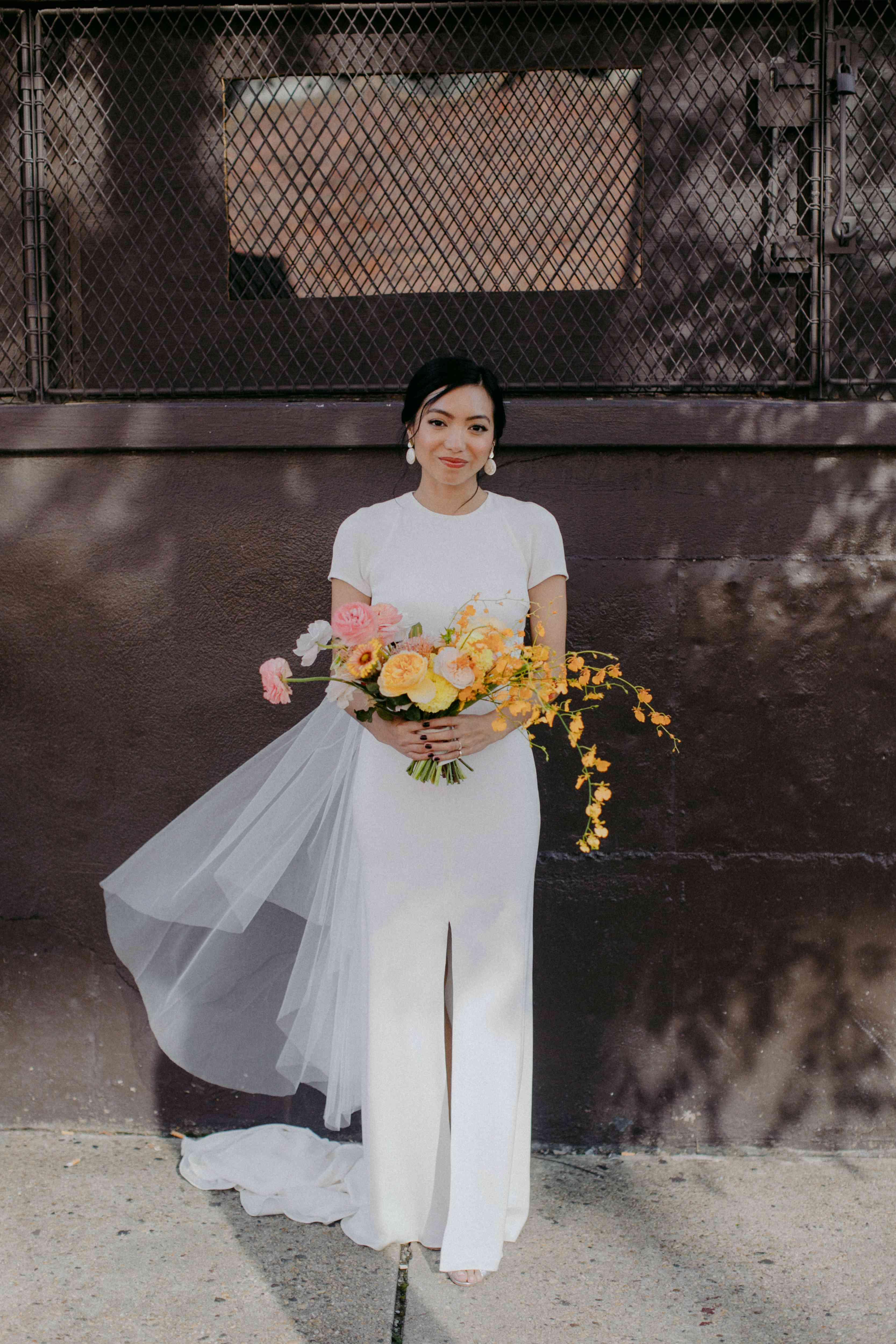 <p>bride short-sleeve wedding dress</p><br><br>
