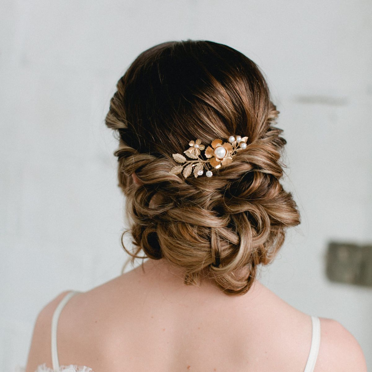 12 Wedding Hairstyles for Brides with Long Hair