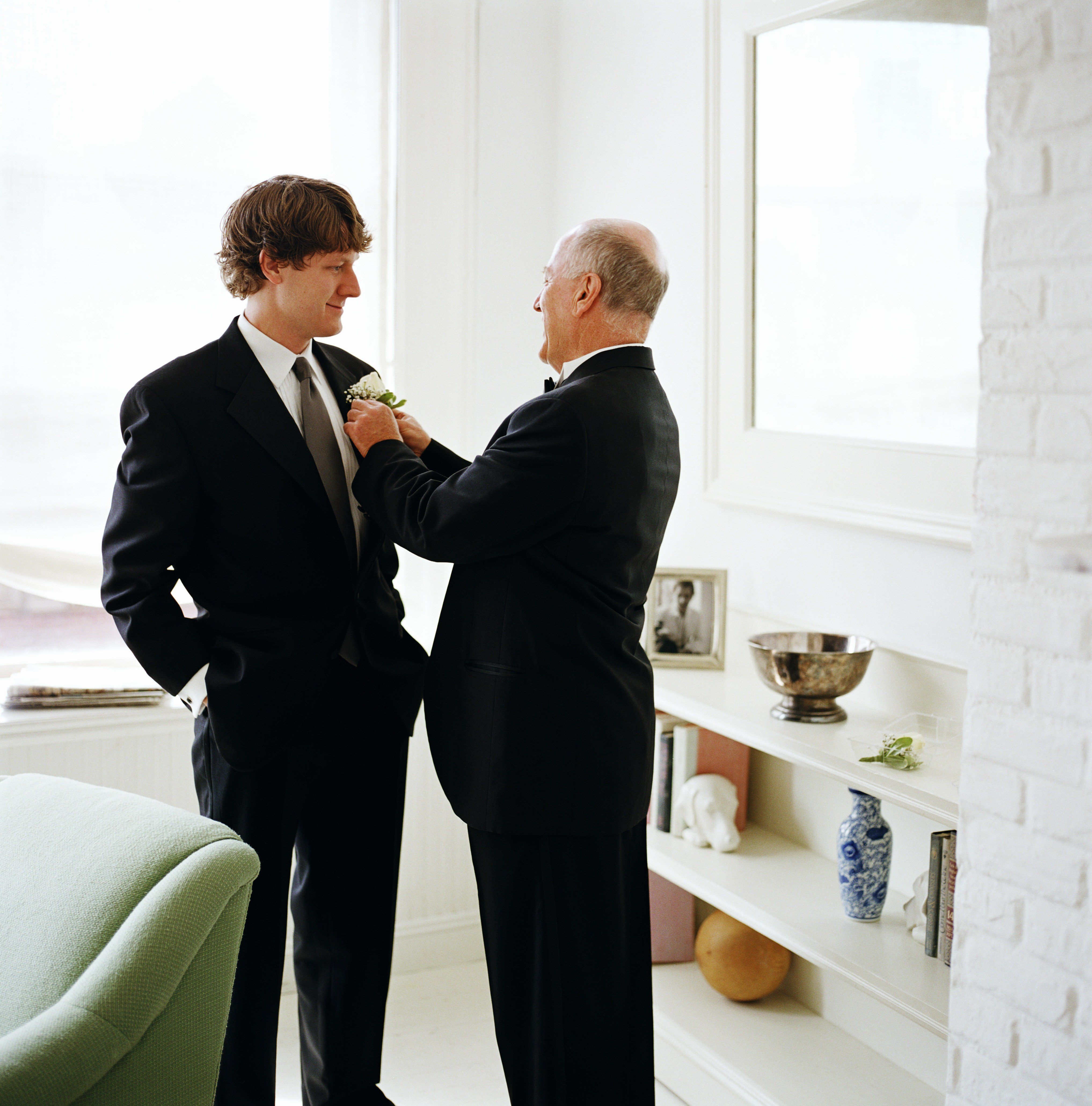 Should The Father Of The Bride Match The Groomsmen?