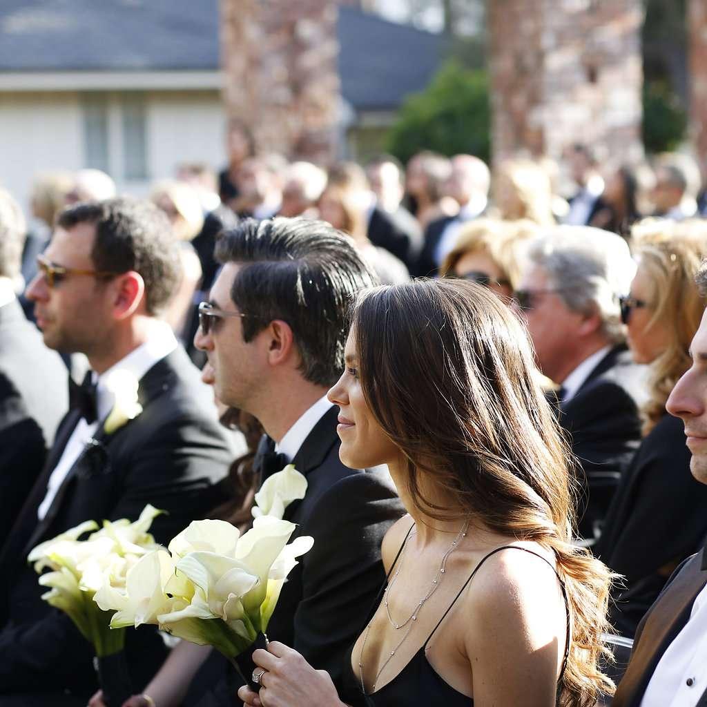 minimalist california wedding, guests at ceremony