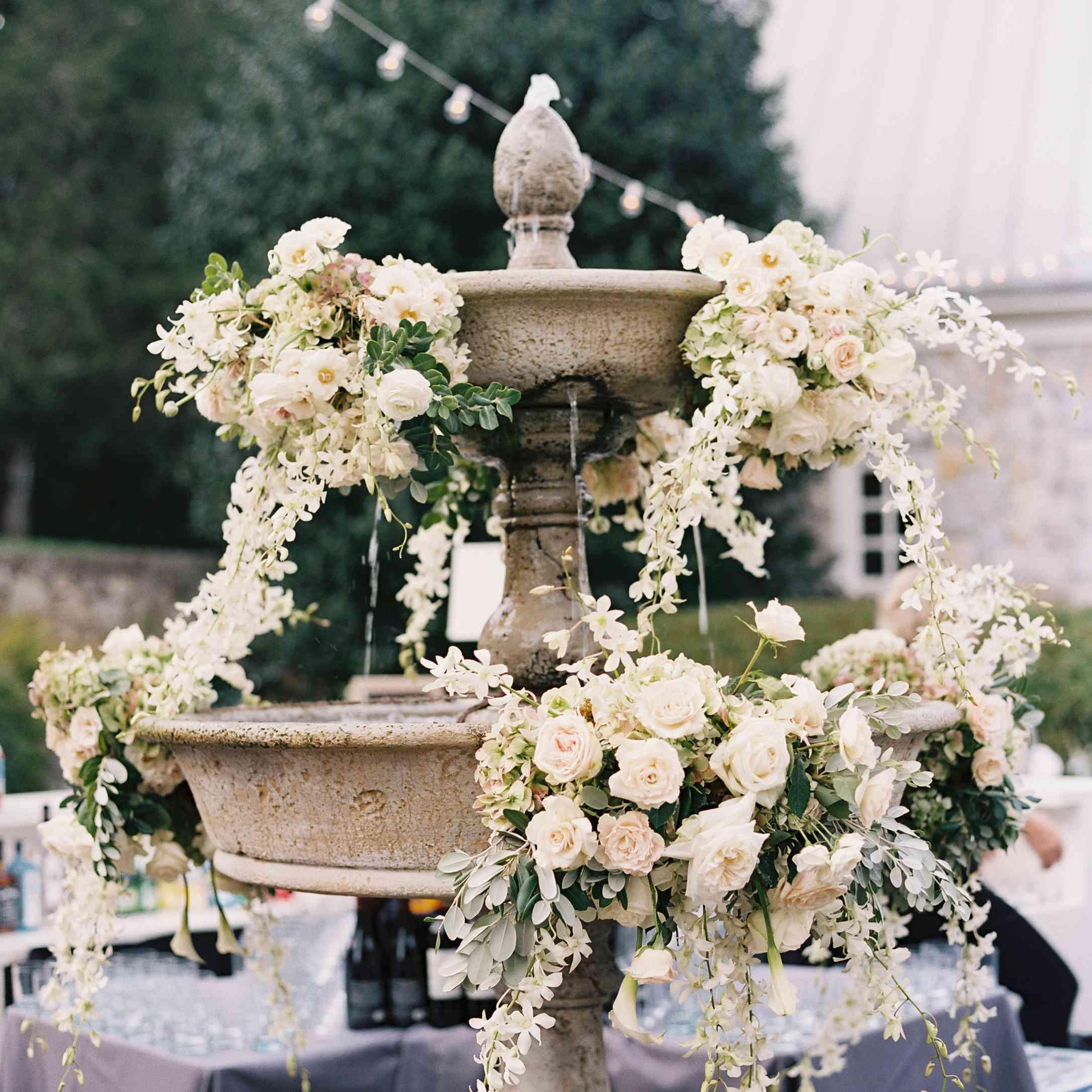 <p>Floral arrangements on fountains</p><br><br>
