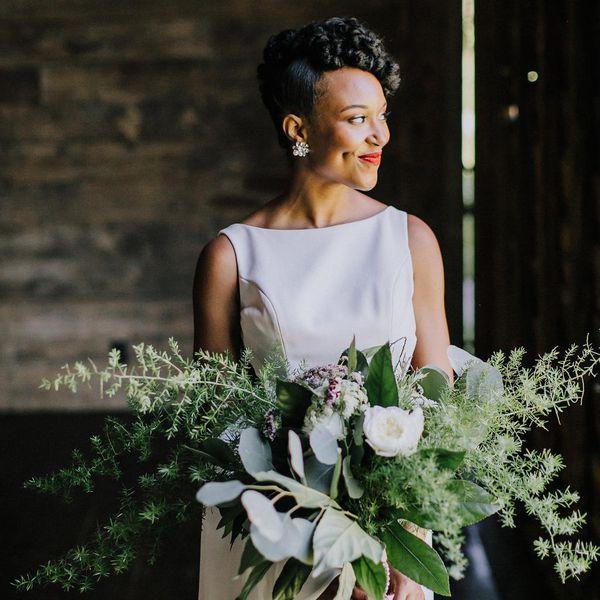 bride large bouquet