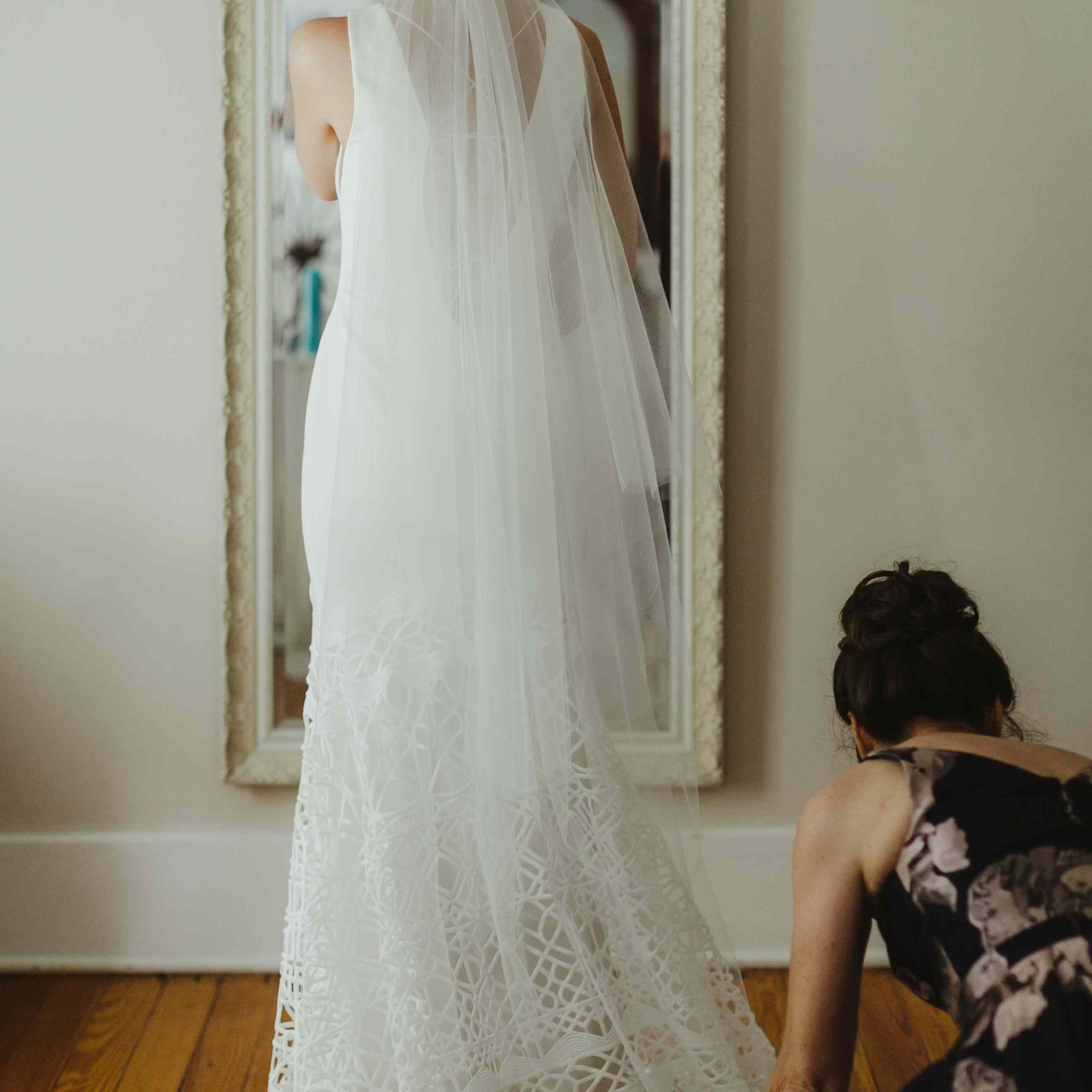 <p>wedding dress</p><br><br>