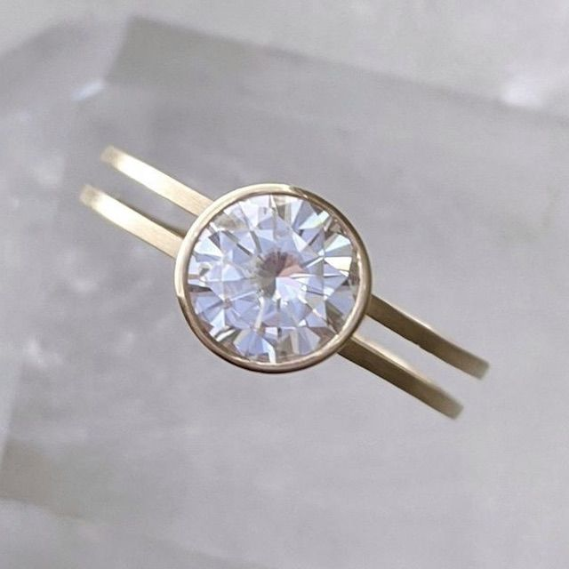 Dooziejewelry Moissanite Double Band Floating Bezel Ring | 14K Yellow Gold