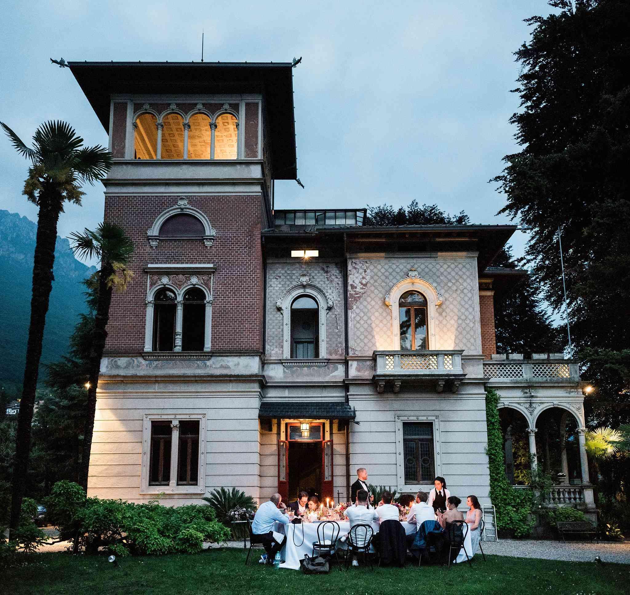 <p>Villa at Night</p><br><br>