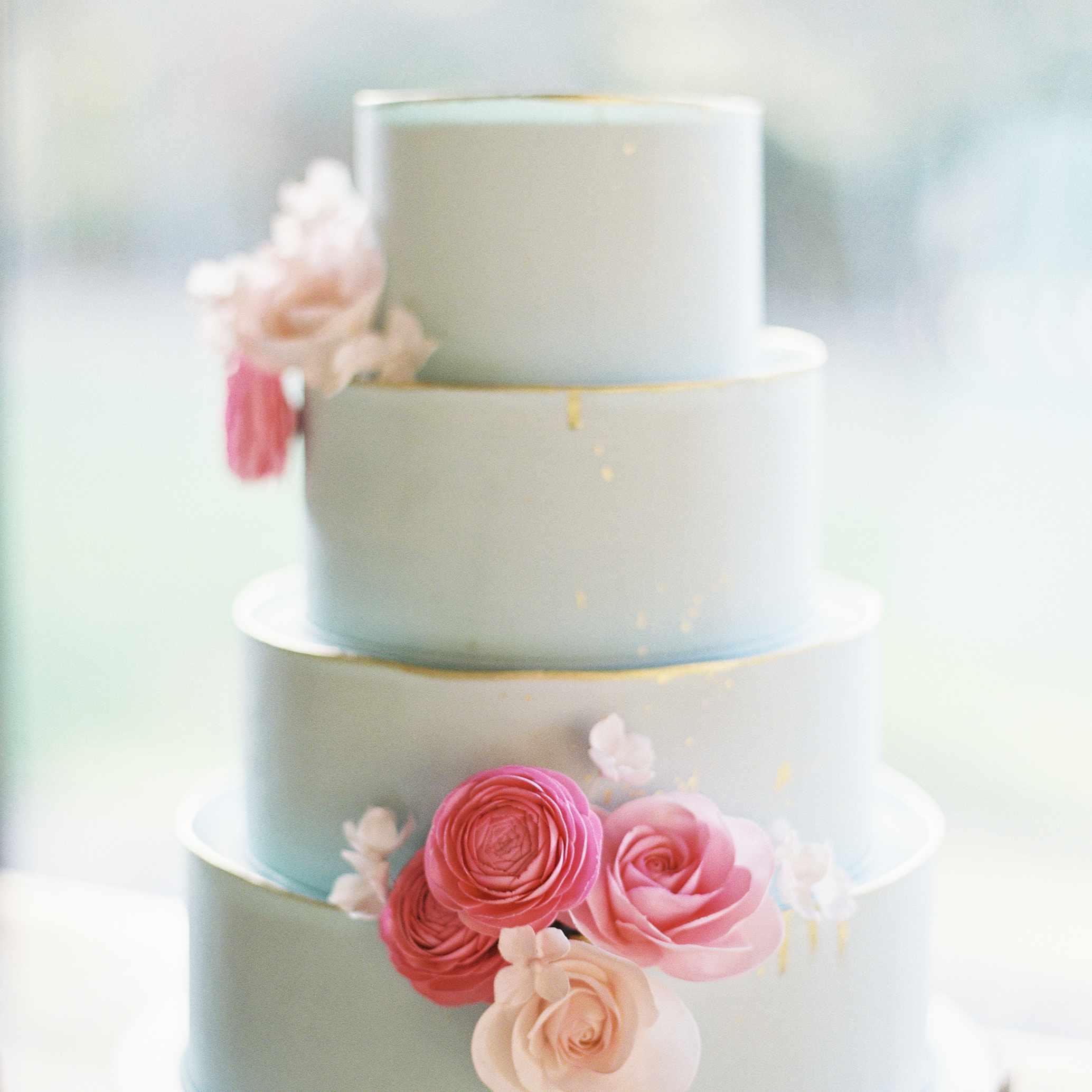 Urban-Inspired Camp Wedding Cake