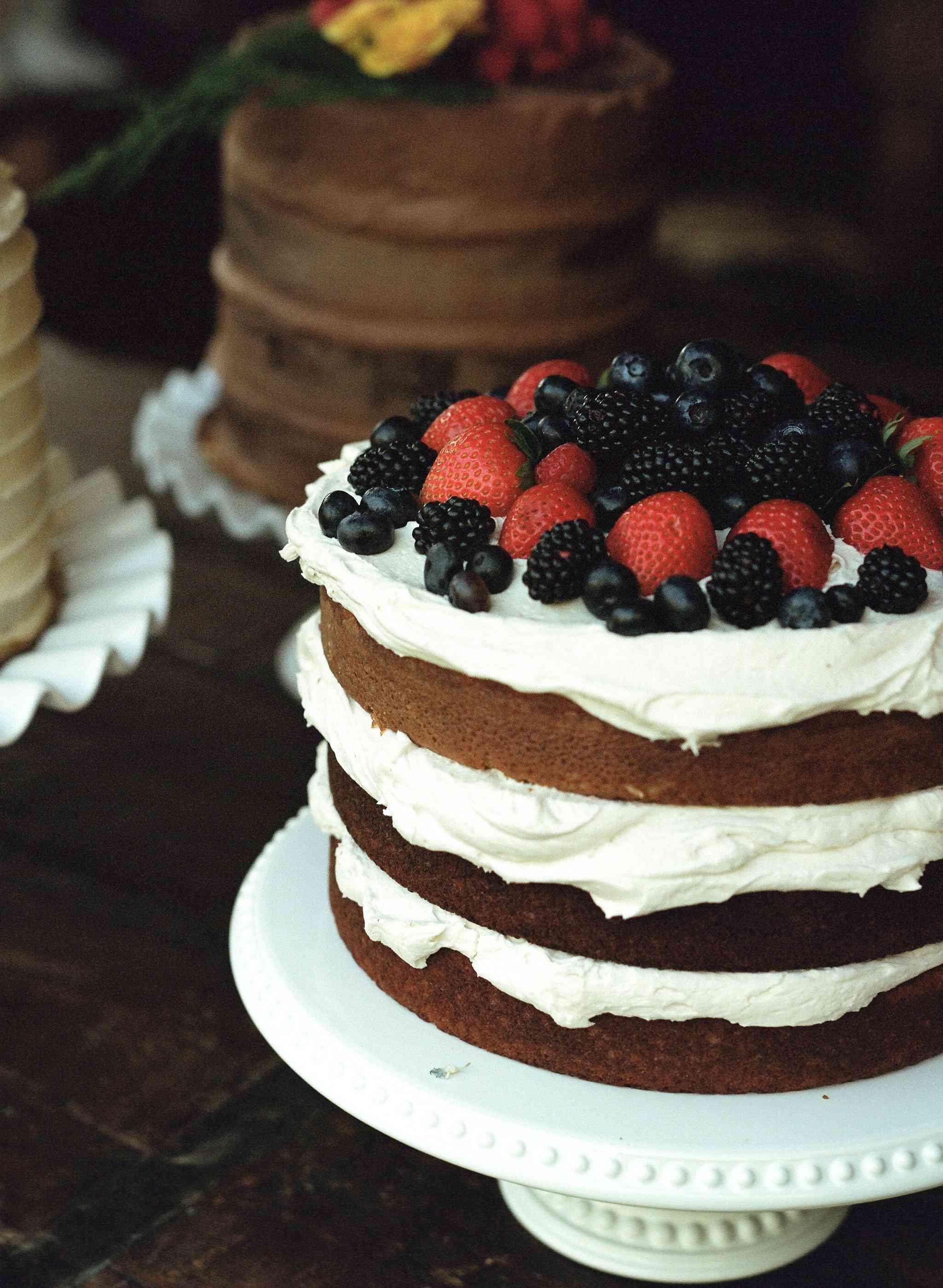 yellowstone wedding, cake