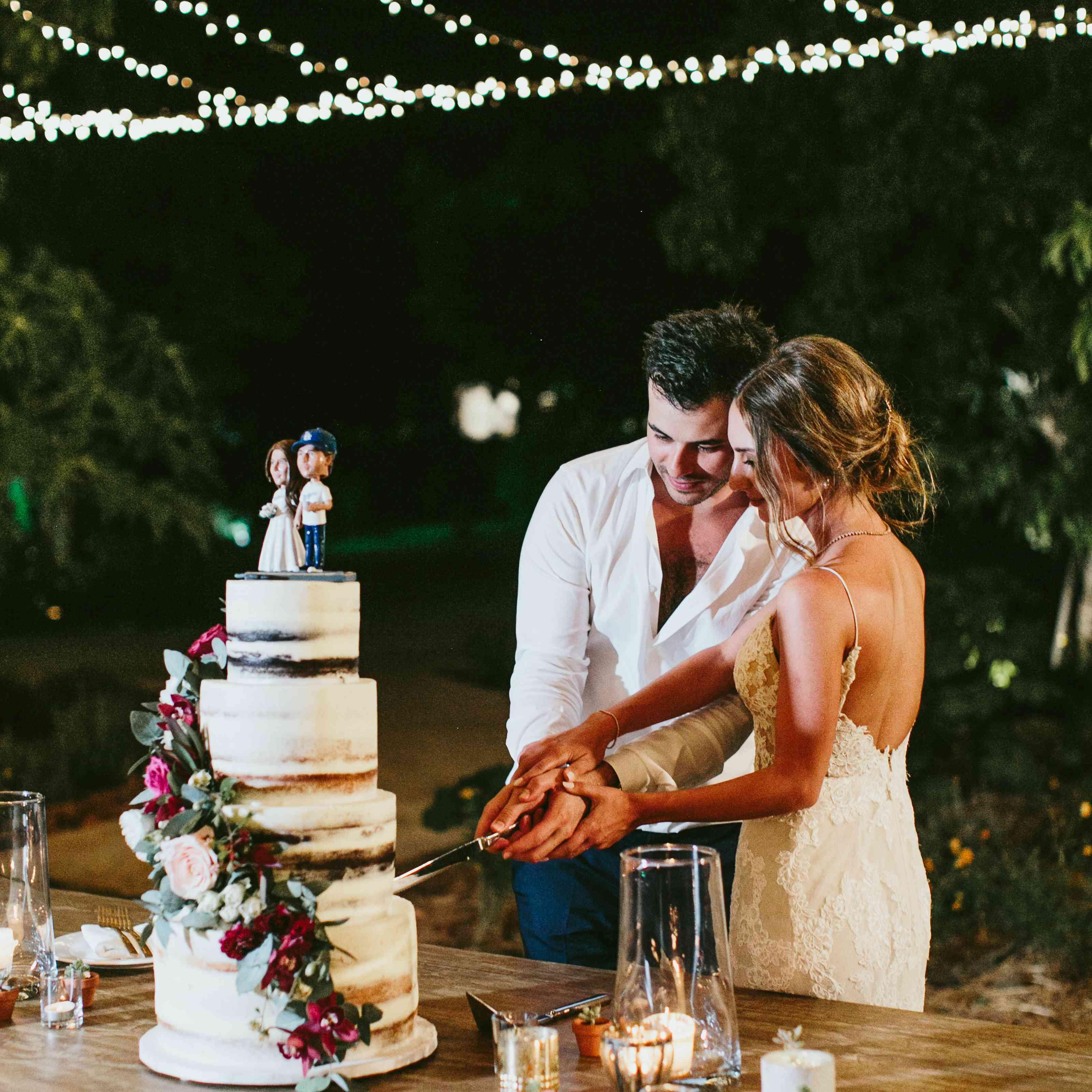 <p>cake cutting</p><br><br>
