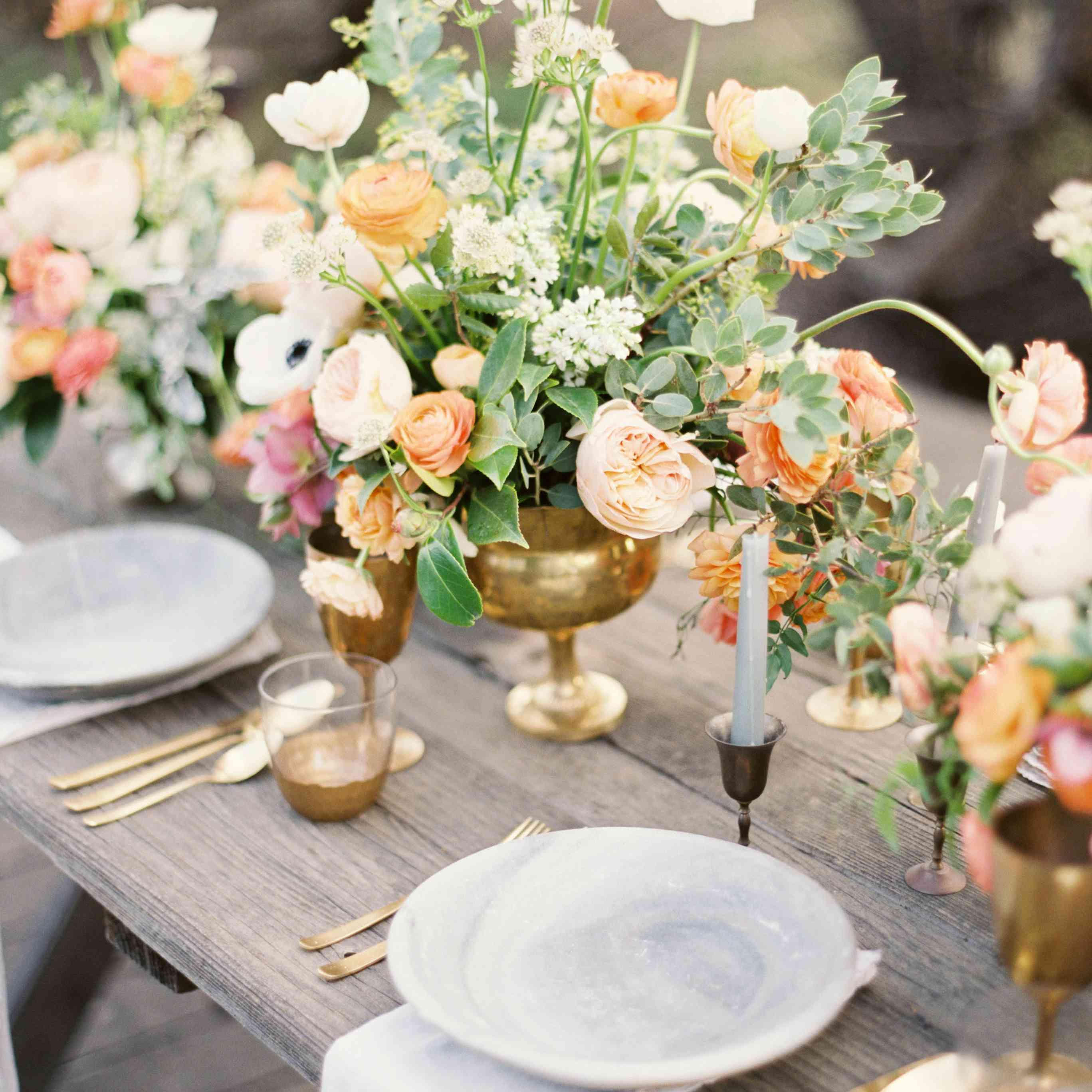 25 Tablescapes That Give Us Spring Fever