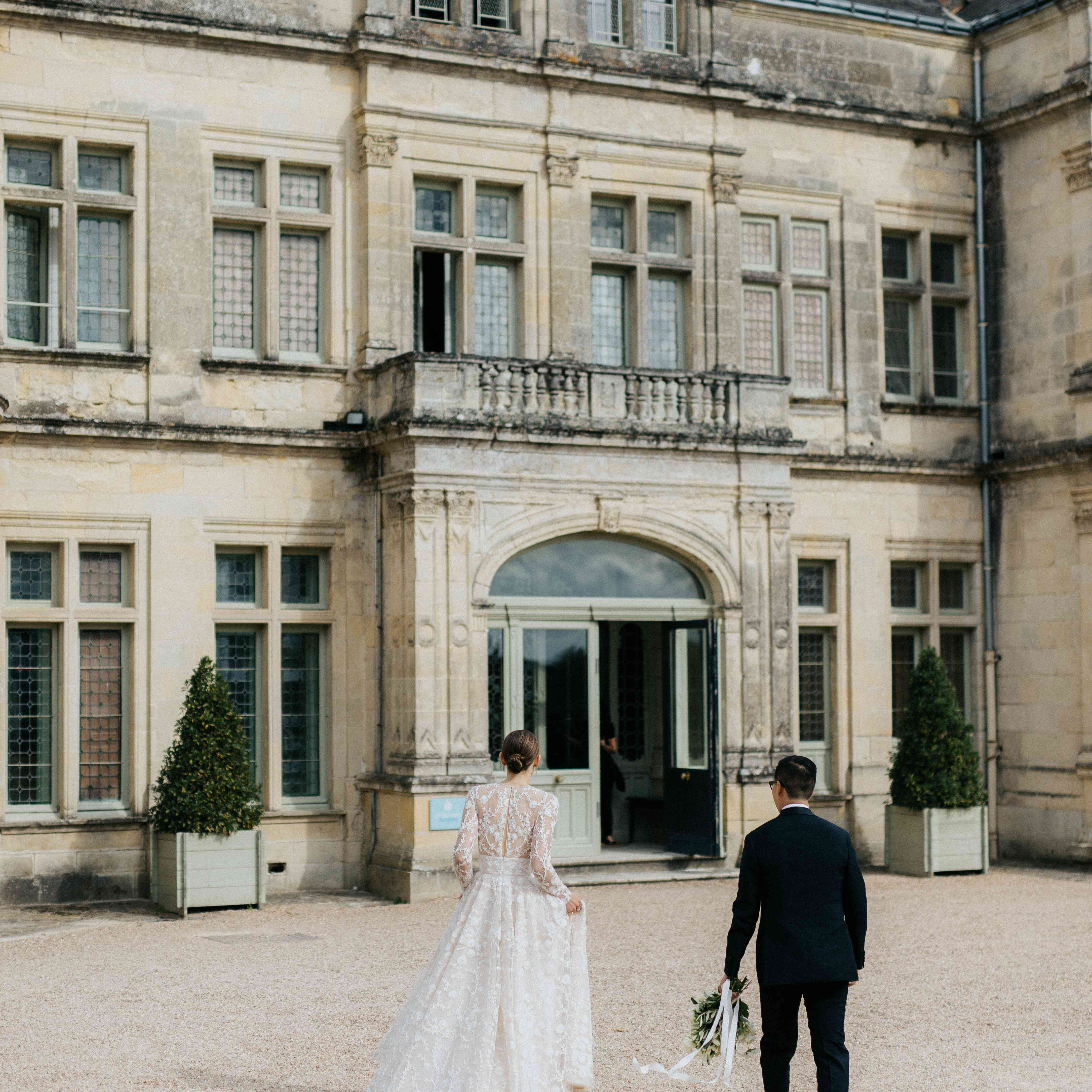 <p>bride and groom back of dress</p><br><br>