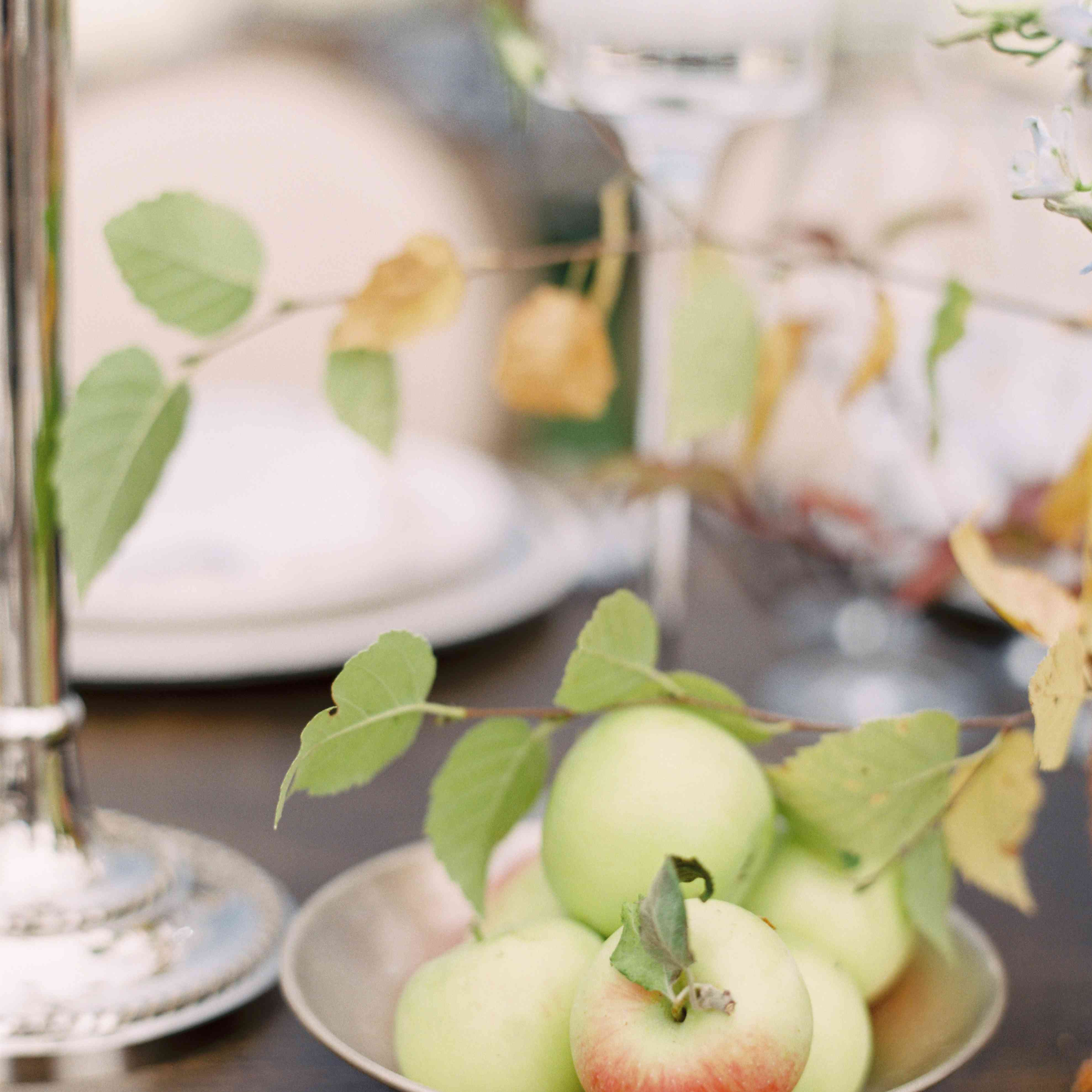 tablescape bowl of fruit