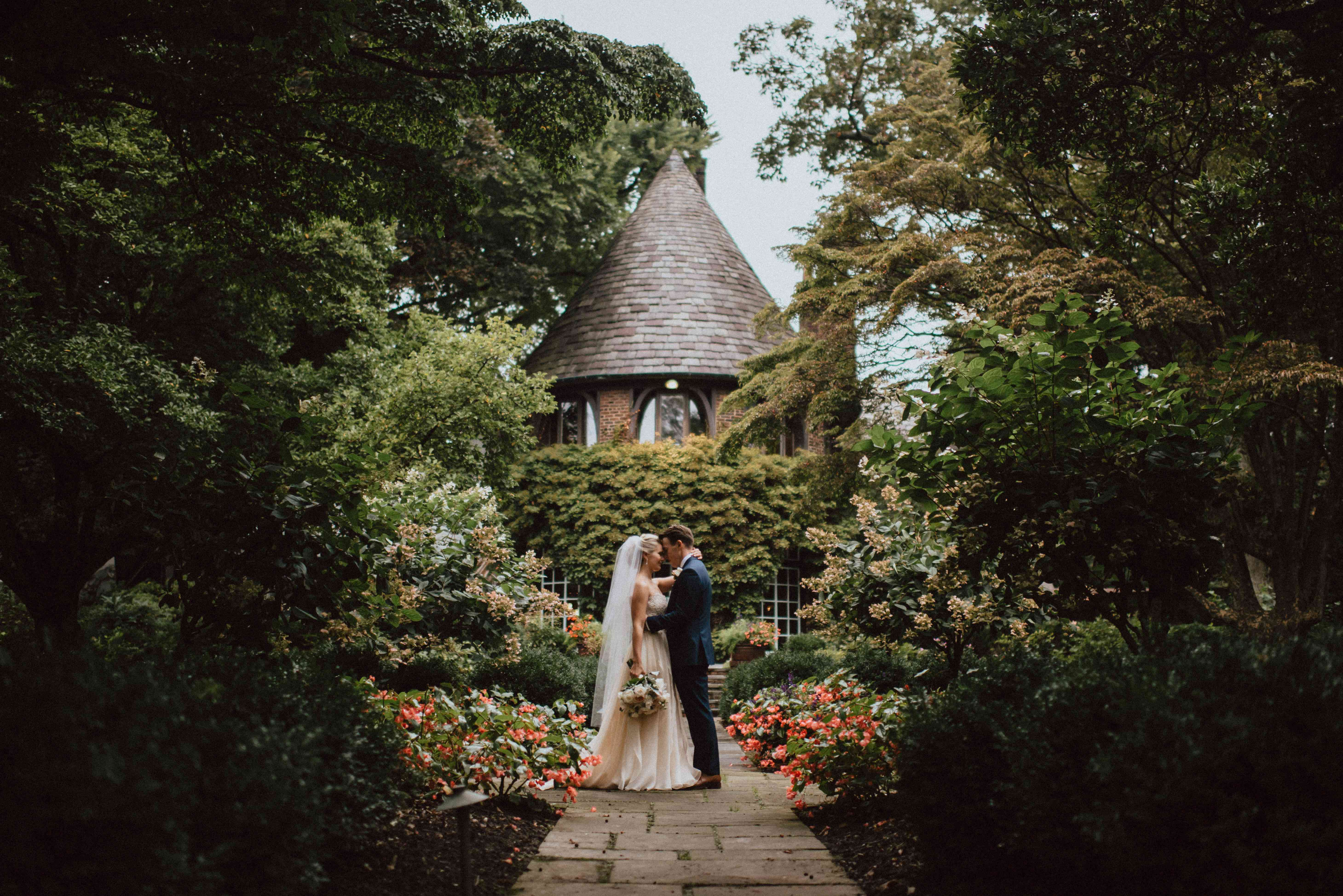 <p>Wedding photo at Greenville Country Club in Delaware</p>