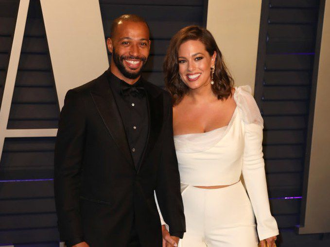 Ashley Graham Wedding.Ashley Graham Reveals She S Expecting Her First Child With