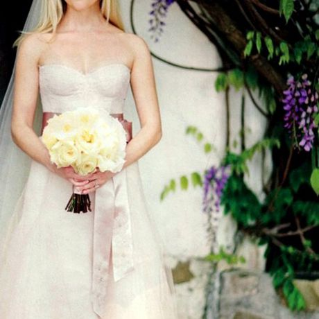 Reese WitherspoonHollywood's resident Southern belle looked every bit the sweet Tennessee girl in a custom blush Monique Lhuillier wedding dress when she married Jim Toth in March 2011. Also worth noting: Her bridal gown matched the maid-of-honor dress Lhuillier designed for Witherspoon's daughter Ava
