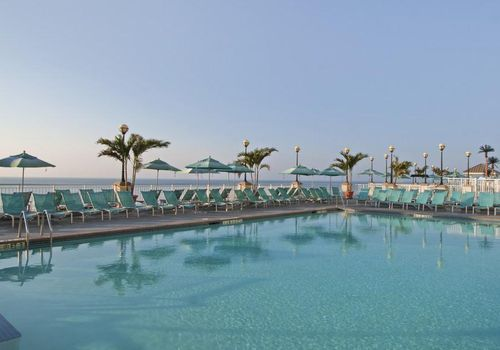 View of the pool and ocean