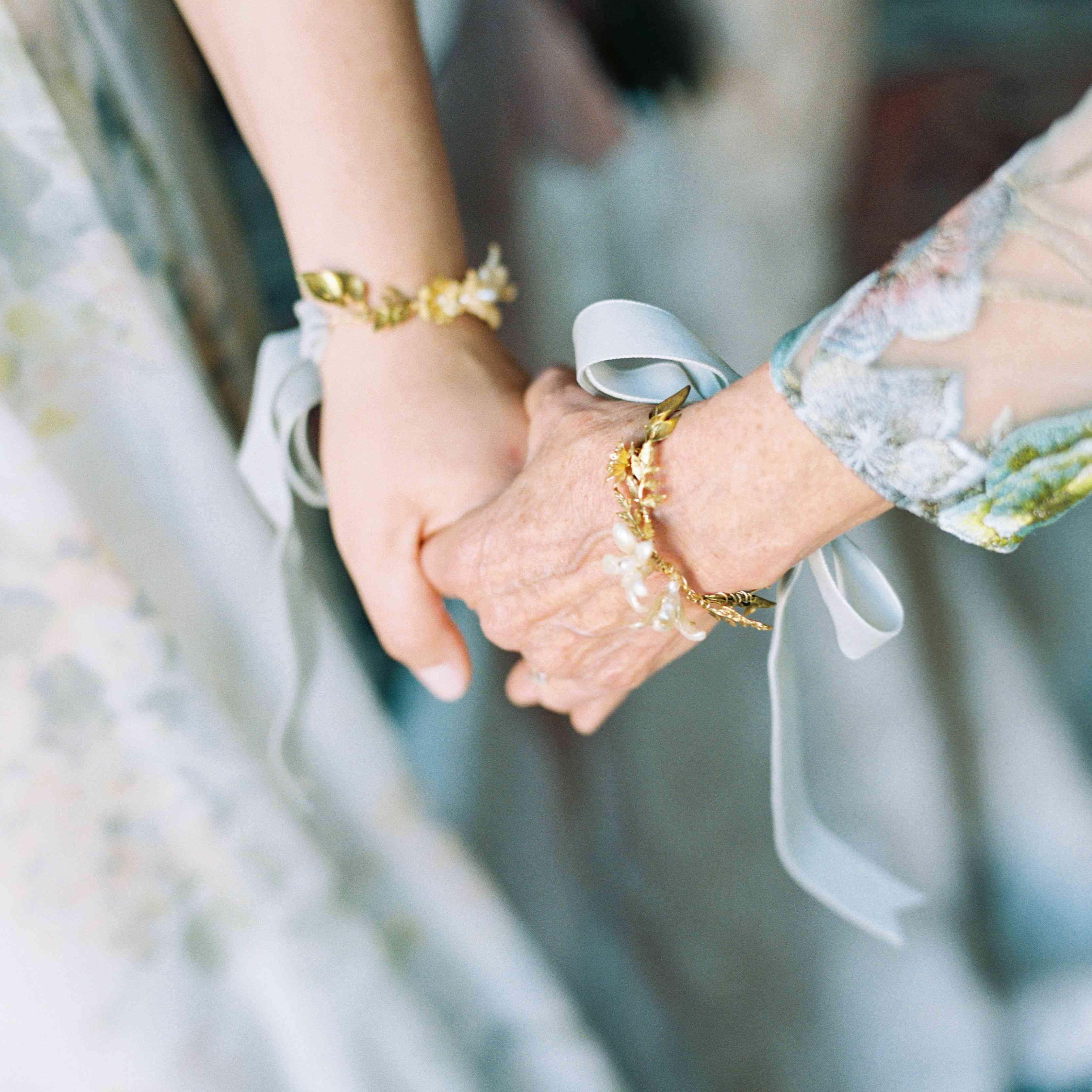 <p>mother of the bride wedding bracelet</p><br><br>