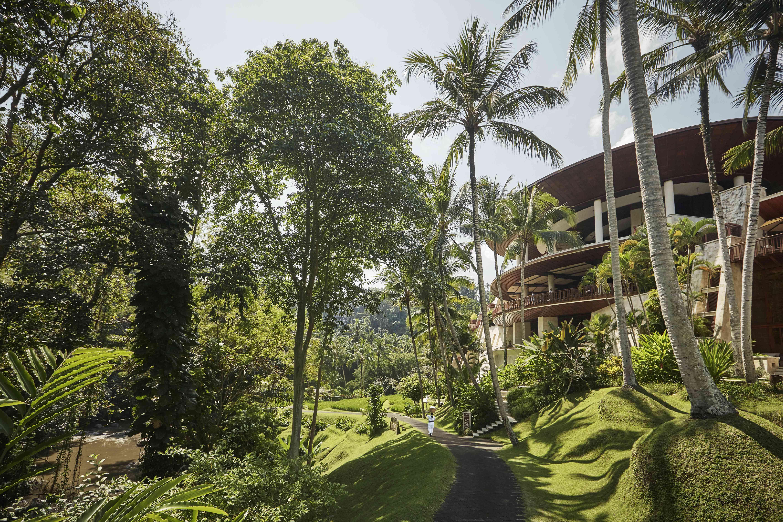 Four Seasons Bali at Sayan Resort Ground